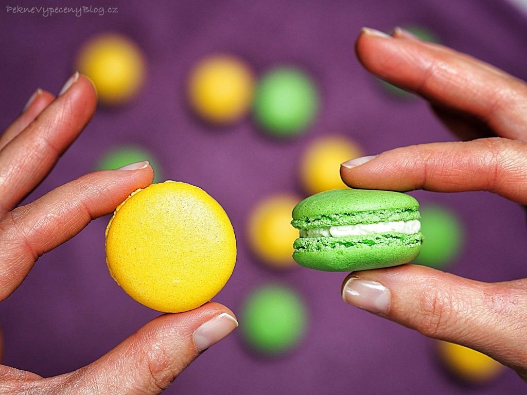 Pistáciové a citronové makronky