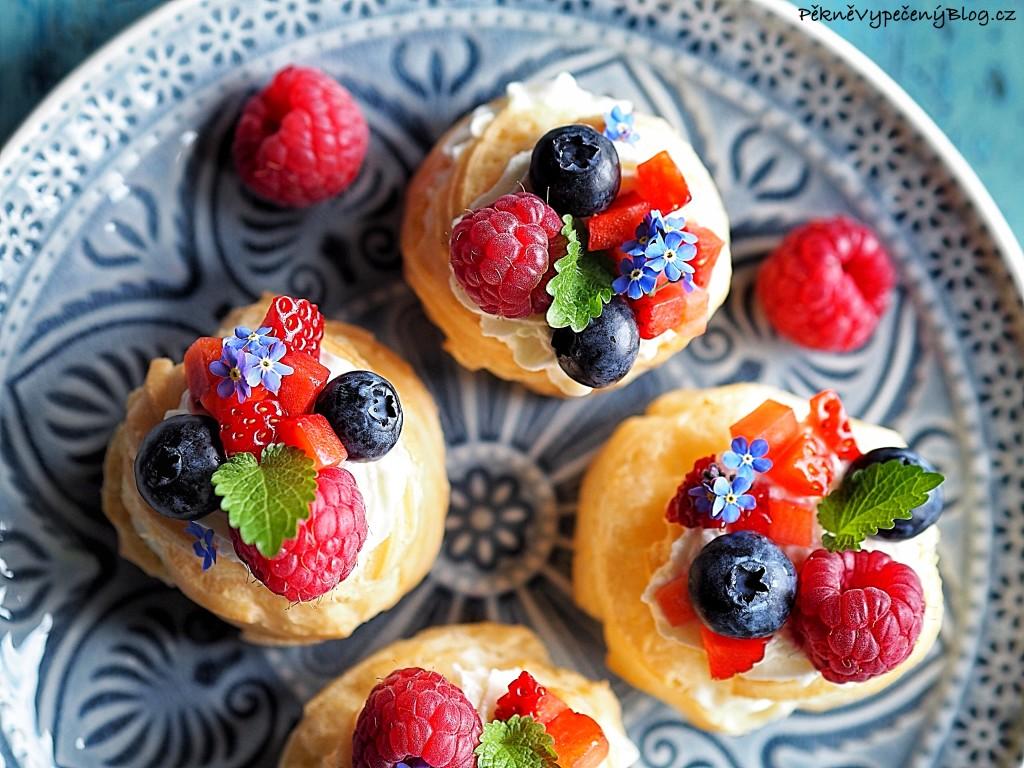 Věnečky s mascarpone a ovocem