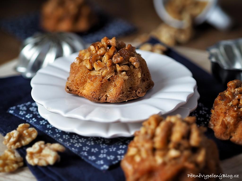 Bábovky s ořechy