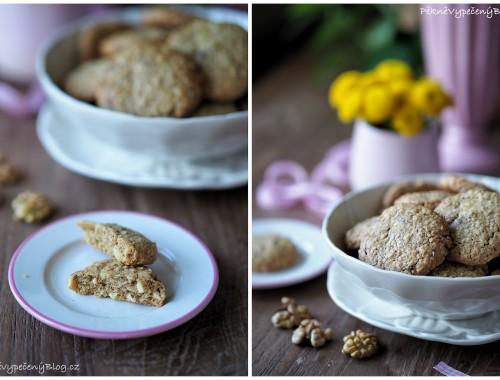 Špaldovo-ovesné sušenky s ořechy